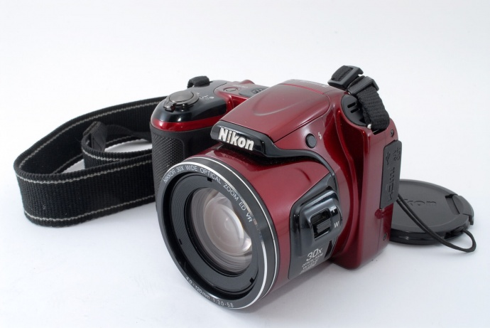 NIKON COOLPIX  L820 30x Zoom 16MP Bridge Camera in Red