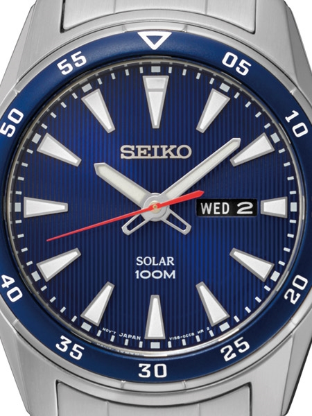 Seiko Solar Sports Mens Watch with Metal Bracelet